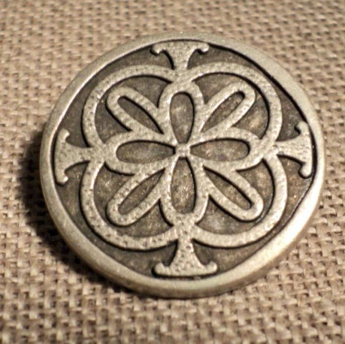Bouton métal folklorique médiéval argenté 23mm