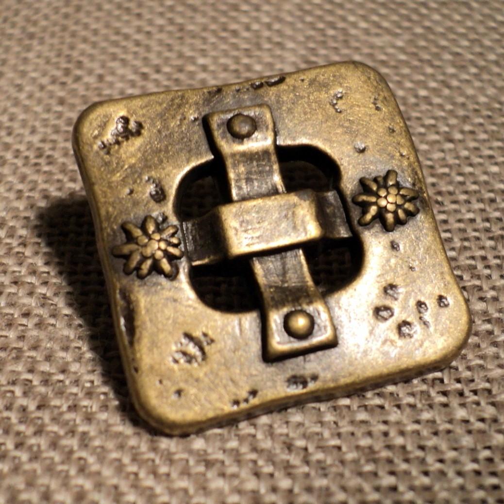 Bouton métal médiéval 22mm bronze carré