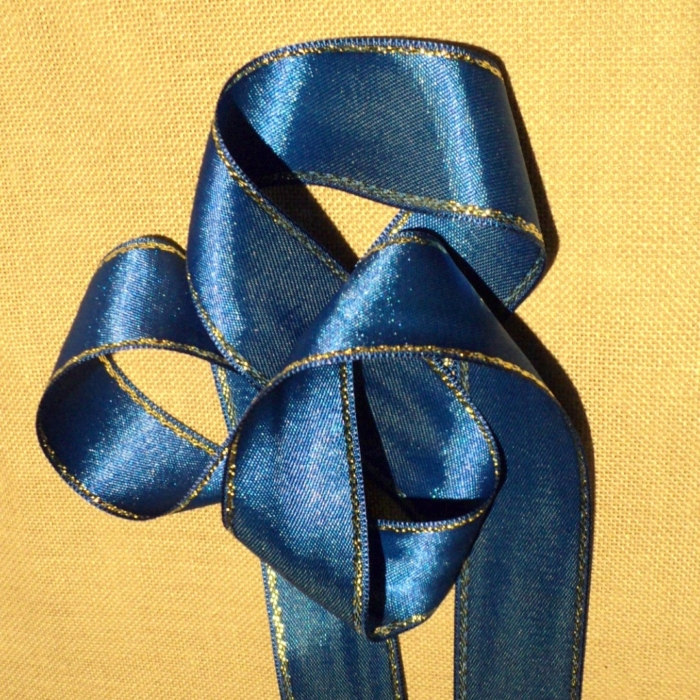 Ruban satin bleu roi 30mm double face satin avec rayure doré
