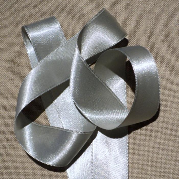 Ruban satin gris clair 30mm double face satin vendu au mètre